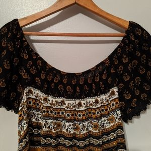 Forever 21 Geometric Pattern Floral Crop Top